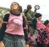 Quattordici anni, stuprata: non può abortire