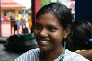 bambine istruzione educazione fondo india
